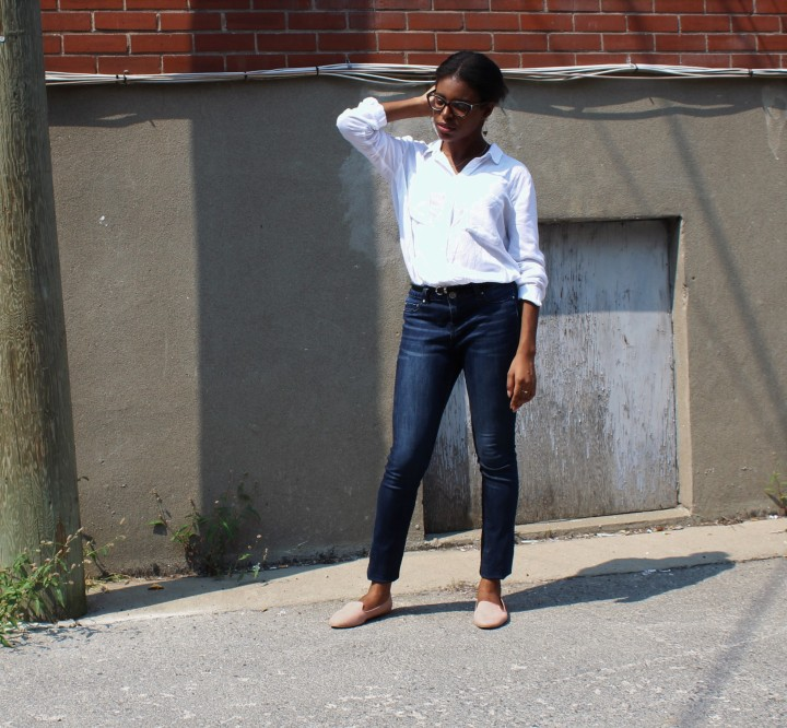 Style_Experience_White_Button_Down_OOTD_Casual_Outfit_Pose_2_September_2017