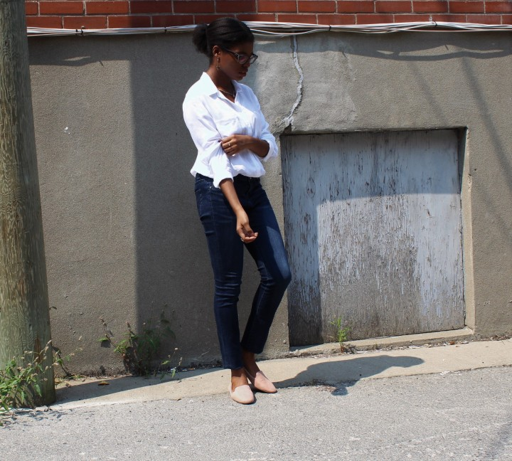 Style_Experience_White_Button_Down_OOTD_Casual_Outfit_Pose_3_September_2017