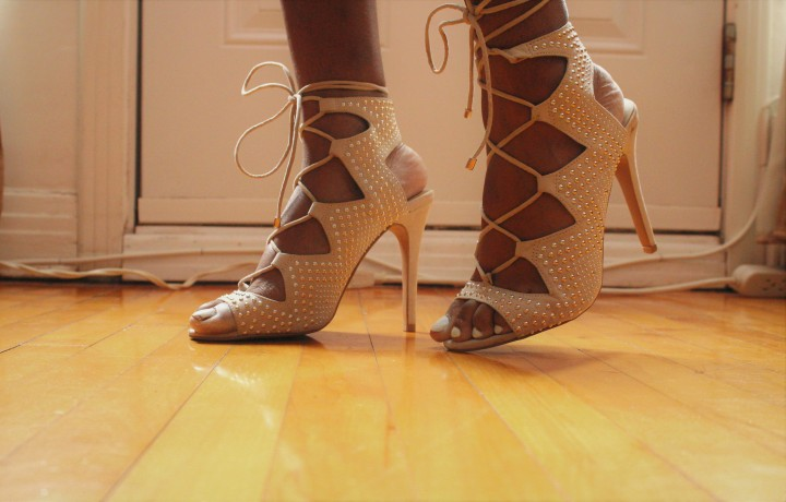 Style_experiennce_new_years_resolutions_january_2018_shoes_close-up